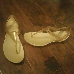 Crocs Isabella tan sandals 7